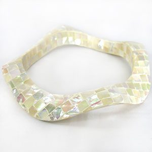 wholesale white abalone blocking wavy bangle