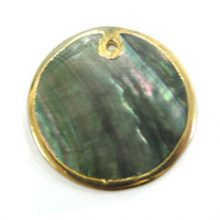 blacklip 30mm round in gold wholesale pendants