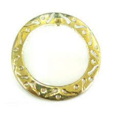 makabibi 30mm round in carved gold wholesale pendants
