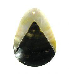 Black lip teardrop pyramid design wholesale pendant