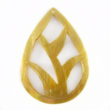 Brownlip teardrop carved pendant wholesale pendant