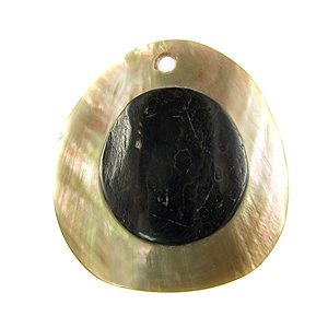 Brownlip round 40mm embossed wholesale pendant