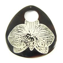 Laser-etched Teardrop Tab Shell Pendant