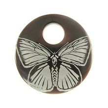 """Laser-etched Round """"Butterfly"""" Tab Shell Pendant"""