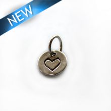 Thai silver charm heart engraved wholesale